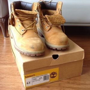 Timberland boots size 6.5Y